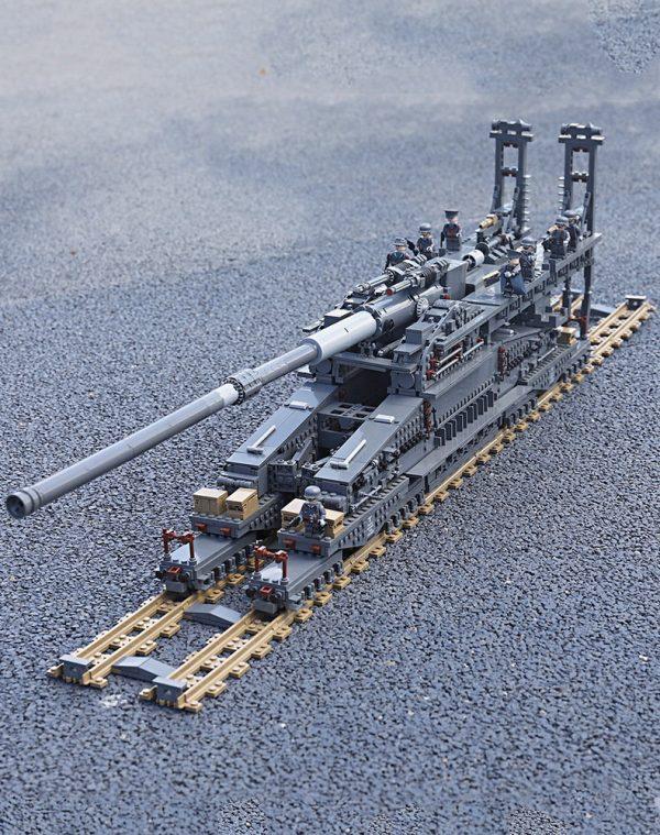 "1:72 WWII German ""Schwerer Gustav"" Heavy Gustav Dora Railway Gun Scale Model Building Blocks (Also Contains the Krupp K5(E) Leopold & TM-3-12 Railway Gun Assembly instruction manual)"