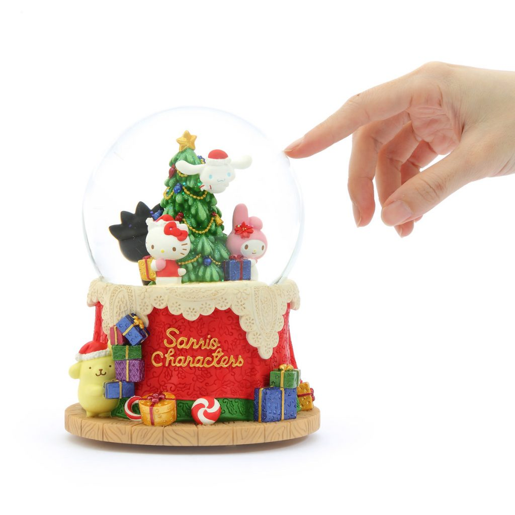 """Sanrio Family Christmas party"", Hello Kitty, Bad Badtz-maru, Pompompurin, Cinnamoroll, Music Snow Globe (Musical Box Water Globe / Snow Domes Christmas Collection)"