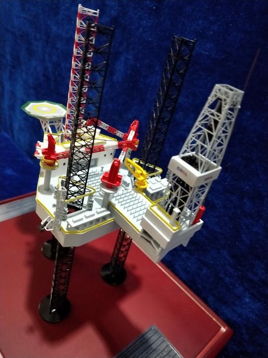 Jack Up Rig Scale Model, Jackup Drilling Rig Diecast Model, Offshore oil Platform Diecast Scale Model
