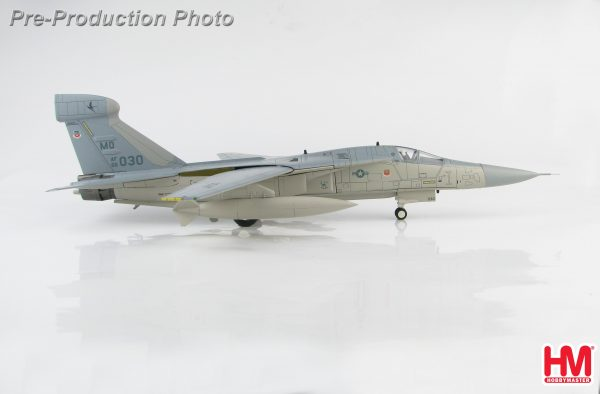 Hobby Master Collector 1/72 Air Power HA3022 United States Air Force General Dynamics–Grumman EF-111A Raven electronic-warfare aircraft 66-0030 390th ECS/48th TFW(P), Operation Desert Storm, Saudi Arabia early 199 (Military Airplanes Diecast Model, Pre built Aircraft Scale Model)