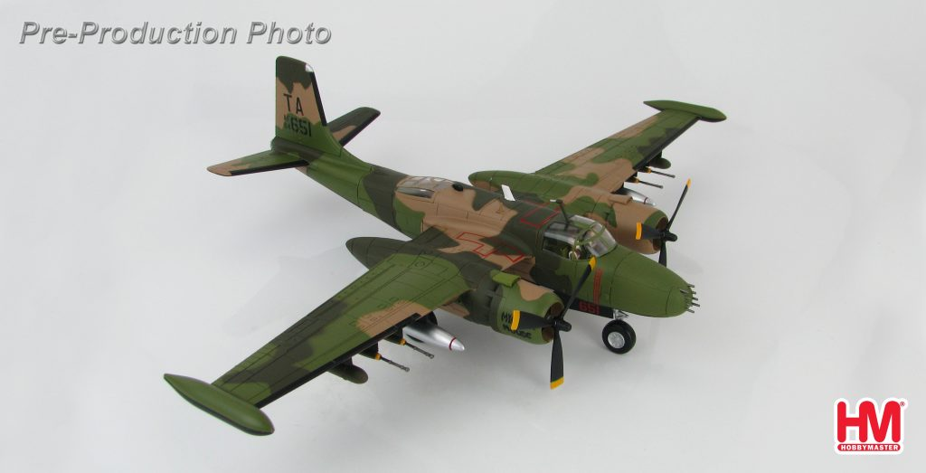 Hobby Master Collector 1/72 Air Power HA3224 Douglas B-26K Counter Invader AF64-651, 609th S.O.S., 59th S.O.W., Nakhon Phanom, Thailand 4251969. Douglas A-26 Invader light bomber and ground attack aircraft (Military Airplanes Diecast Model, Pre built Aircraft Scale Model)