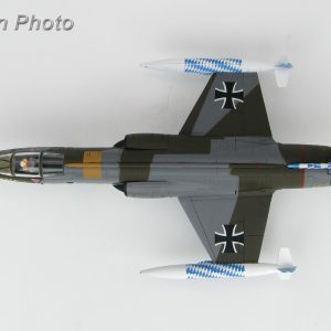 "Hobby Master Collector 1/72 Air Power HA1033 Lockheed F-104G Starfighter 26+30, JG.32 ""Bavaria"", Luftwaffe, July 1983. German Air Force Lockheed F-104 Starfighter Interceptor aircraft, fighter-bomber (Military Airplanes Diecast Model, Pre built Aircraft Scale Model)"