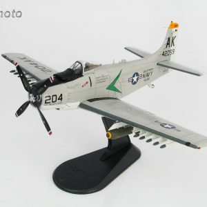 "Hobby Master Collector 1/72 Air Power HA2913 Douglas A-1H Skyraider BuNo 142059 ""Puff The Magic Dragon"" VA-165 ""Boomers"" USS Intrepid, summer 1966. United States Navy Attack Aircraft (Military Airplanes Diecast Model, Pre built Aircraft Scale Model)"