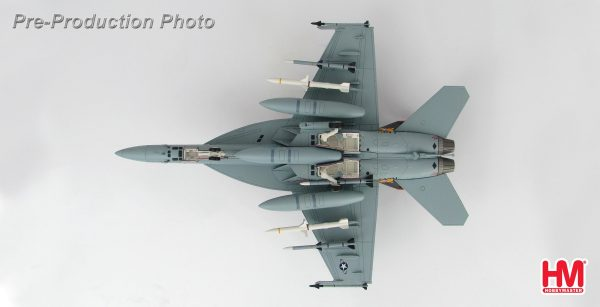 "Hobby Master Collector 1/72 Air Power HA5107 McDonnell Douglas F/A-18E 166776, VFA-31, Dec 2008 ""Santa CAG"". United States Navy Boeing F/A-18E Super Hornet Carrier-based multirole fighter (Military Airplanes Diecast Model, Pre built Aircraft Scale Model)"