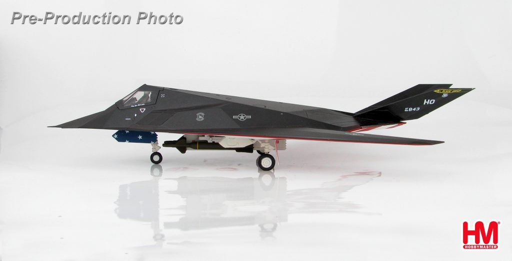 "Hobby Master Collector 1/72 Air Power HA5802 Lockheed F-117A Nighthawk ""Farewell"" 88-0843, 49th Fighter Wing, April 2008. United States Air Force Lockheed F-117 Nighthawk Stealth attack aircraft (Military Airplanes Diecast Model, Pre built Aircraft Scale Model)"