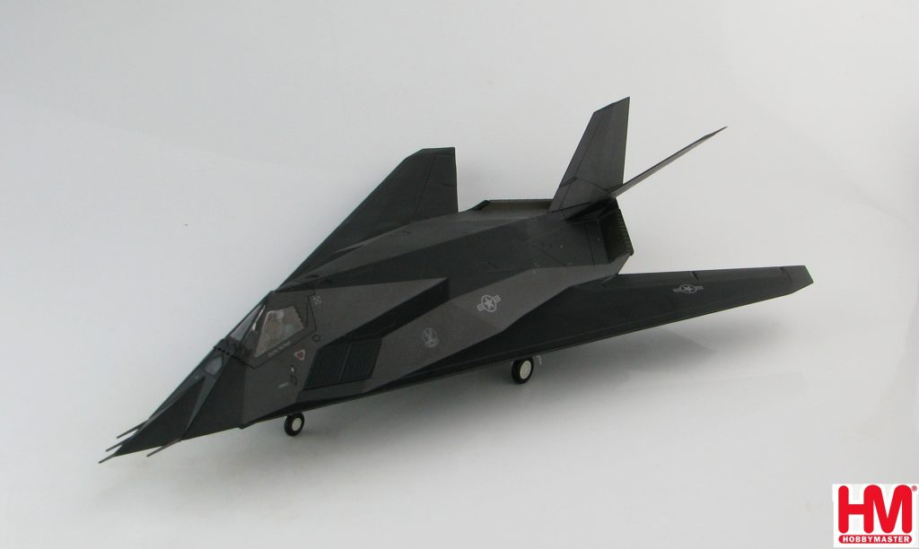 "Hobby Master Collector 1/72 Air Power HA5805 United States Air Force Lockheed F-117A Nighthawk Stealth Attack Aircraft, 82-806 ""Vega 31"" ""Operation Allied Force"" 7th FS ""Screamin Demons Kosovo War, 1999 (Military Airplanes Diecast Model, Pre built Aircraft Scale Model)"