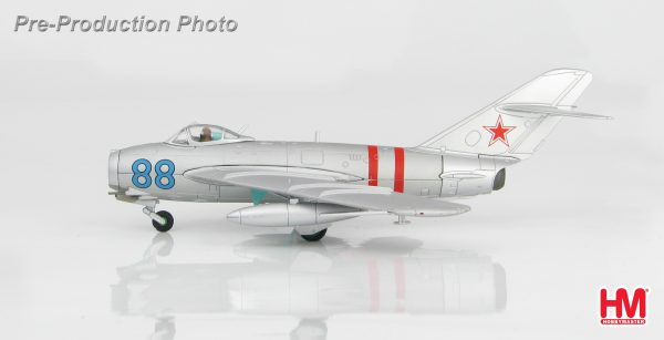 "Hobby Master Collector 1/72 Air Power HA5903 MIG-17 ""Fresco A"" Blue 88, Soviet Air Force, August 1968 ""Invasion of Czechoslovakia"". Mikoyan-Gurevich MiG-17 Fresco Fighter aircraft (Military Airplanes Diecast Model, Pre built Aircraft Scale Model)"