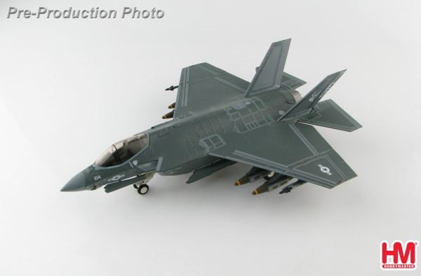"Hobby Master Collector 1/72 Air Power HA6204 U.S. Military Carrier-Based (CV/CATOBAR) Lockheed Martin F-35C 168735 ""ED-104"", Edwards AFB, California 2016, F-35 Lightning II Stealth Multirole Combat Fighter (Military Airplanes Diecast Model, Pre built Aircraft Scale Model)"