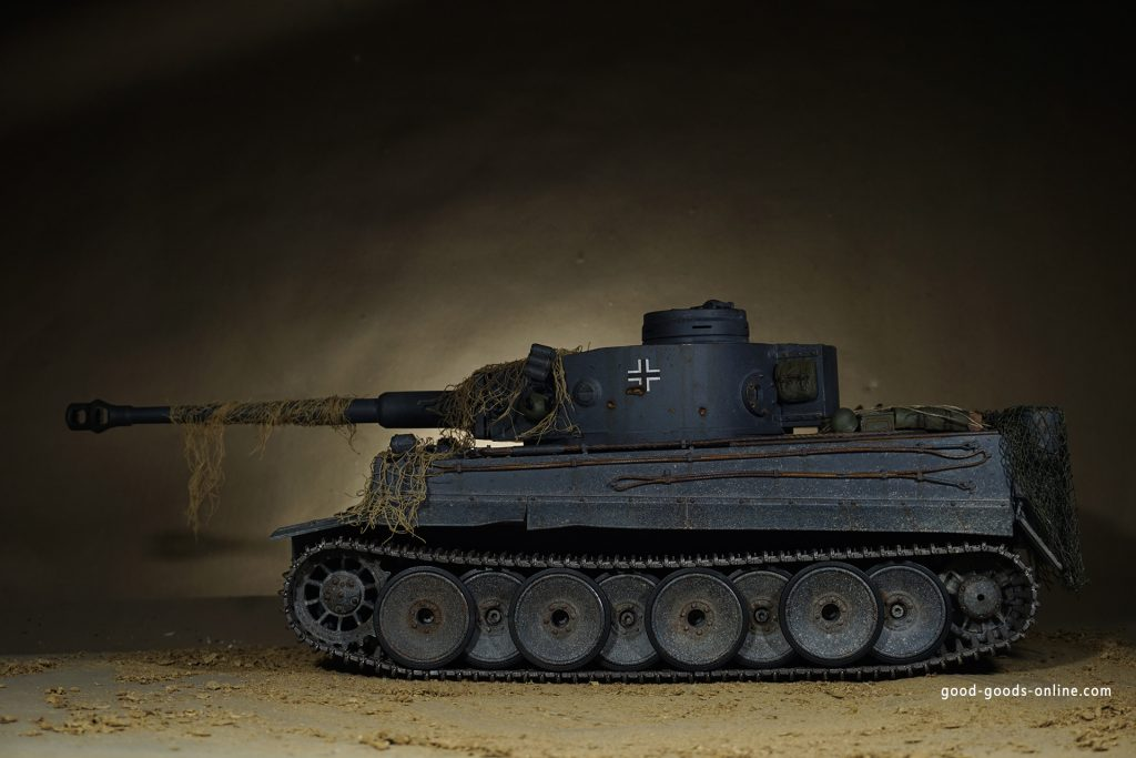 Henglong Tiger 1 R/C Tank RTR 6.0 Version 1/16 - Hobby Habit, Tiger-1-R › Sound-1 All functions of the RC tank are controlled from the included transmitter. The tank can go forward and backward and the real working tracks