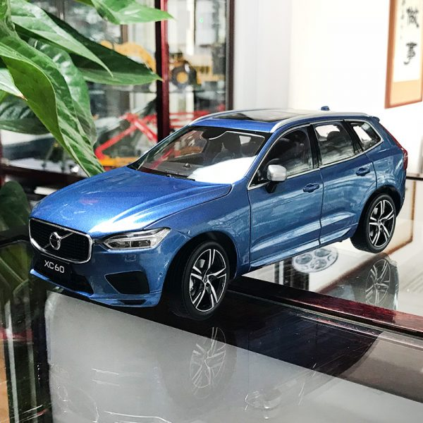 Volvo xc60 Blue color 1:18 Scale Model Car, 1/18 Scale die-cast vehicles, diecast model car, collectible model car, collector toy car.