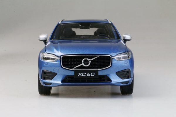 Takara Tomy Tomica No22 1/64 Volvo XC60 Diecast Scale Model Car.