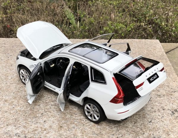 1/18 Scale VOLVO XC60 T6 AWD White Diecast Model Car Toy Collection