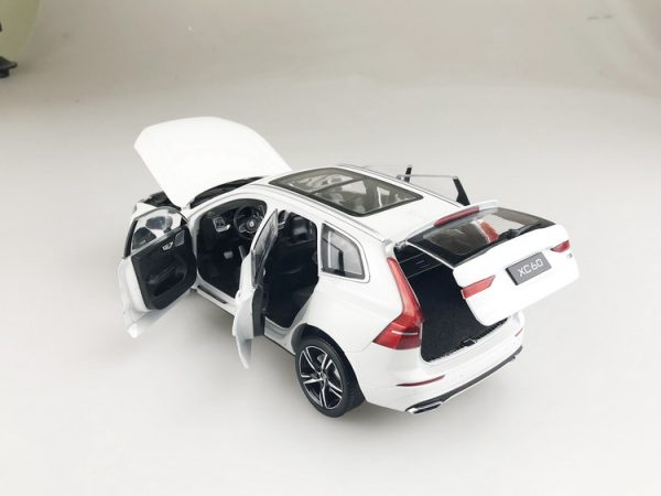 1/18 Scale VOLVO XC60 Deluxe version 2018 Gray Diecast Car Model Toy Gift