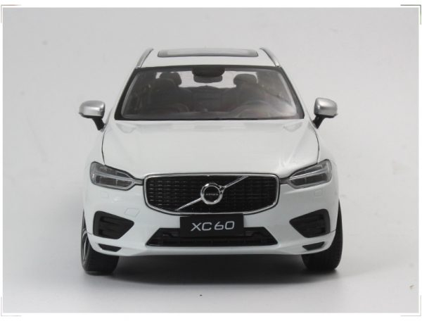 VOLVO XC60 Diecast Alloy Car Model Off-road Vehicle Simulation Toy Metal Body Suv With Music