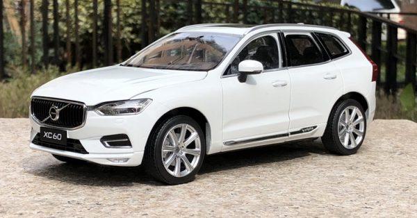LENO V.O.L.V.O XC60 SUV Diecast Alloy Car Model | High Simulation | Scale 1:32 |4 Colour