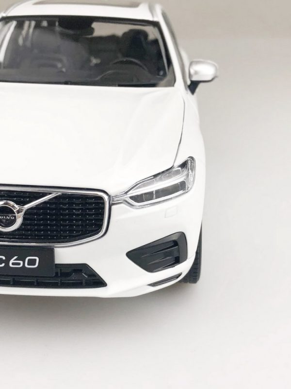 1/18 ALL NEW Volvo XC60 SUV Diecast Model Car Toys kids Boy Girl gifts White
