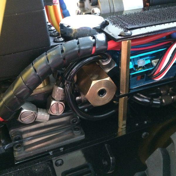 Full Metal Komatsu Wheel Loader WA470 RC Hydraulic Alloy Loader & All Metal Caterpillar CAT 980L Wheel Loader Remote Control Hydraulic Loader. 1/14 Scale Model Alloy RC Hydraulic Loader, RTR, Four-Wheel Drive with Differential (4WD, 4X4)
