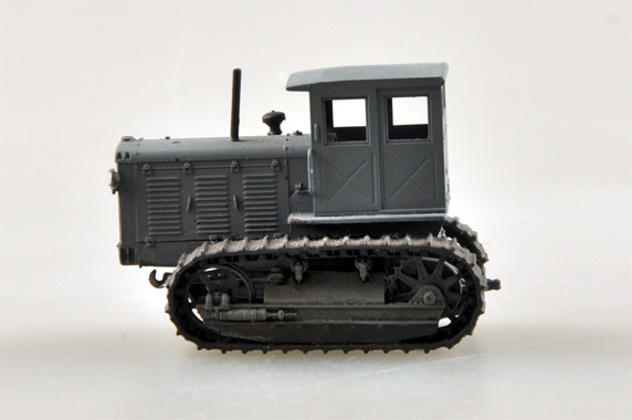 1/72 Scale Miniature Model, (Trumpeter & HobbyBoss) EasyModel 35115 Russian ChTZ S-65 Tractor with Cab (Stalinets S-65 Tracks Tractor with Cab) Completed Painted Weathered (Already Assembled & Finished Model) Scale Model, (Suitable for Collection & Collect, War Battlefield Diorama Scene, Exhibits, Decorations, Gift)