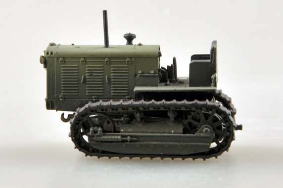 1/72 Scale Miniature Model, (Trumpeter & HobbyBoss) EasyModel 35116 Russian ChTZ S-65 Tractor (Stalinets S-65 Tracks Tractor) Completed Painted Weathered (Already Assembled & Finished Model) Scale Model, (Suitable for Collection & Collect, War Battlefield Diorama Scene, Exhibits, Decorations, Gift)