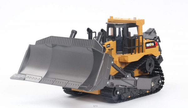 Buy The Latest Huina 1569 / 569 RC Bulldozer, The Newest Tracked Bulldozer from Huina Construction Toy, Remote Control Bulldozer With 8 Functions