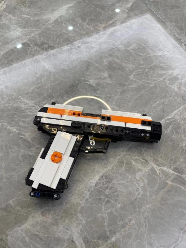1:1 Scale United States Pistol, Caliber .45, M1911 Semi-automatic pistol MOC Custom Building Block Gun Model, Working Colt 1911 Compatible Bricks Toy, Full building blocks Bricks with assembling manual
